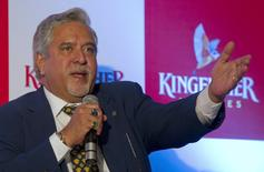 Kingfisher Airlines Chairman Vijay Mallya speaks to the media during a news conference in Mumbai November 15, 2011. REUTERS/Vivek Prakash/File photo