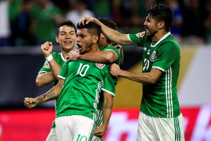 265708b78 Corona stunner earns Mexico draw