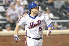 May 27, 2016; New York City, NY, USA; New York Mets third baseman David Wright (5) heads out on his home run during the fourth inning against the Los Angeles Dodgers at Citi Field. Mandatory Credit: Anthony Gruppuso-USA TODAY Sports