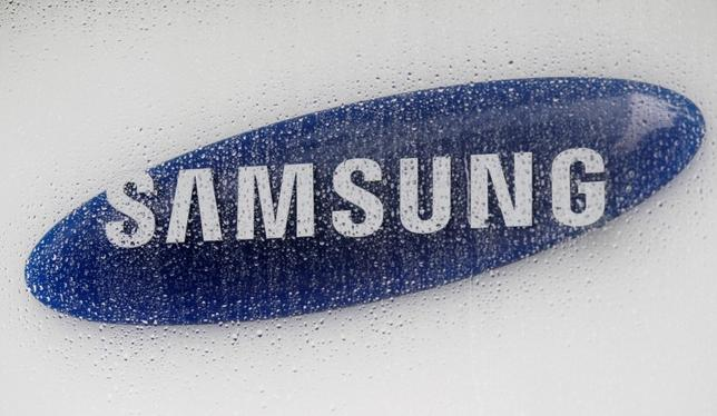 The logo of Samsung Electronics is seen at the company's headquarters in Seoul, South Korea July 6, 2012. REUTERS/Lee Jae-Won/File Photo