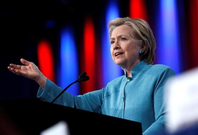 Democratic U.S. presidential candidate Hillary Clinton speaks at the U.S. Conference of Mayors 84th Annual Meeting in Indianapolis, Indiana United States, June 26, 2016. REUTERS/Chris Bergin