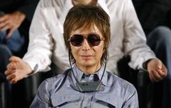 "U.S. director Michael Cimino attends a news conference for the film ""Chacun son Cinema"" at the 60th Cannes Film Festival May 20, 2007.  REUTERS/Jean-Paul Pelissier"