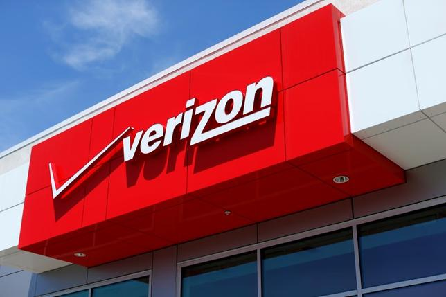 The logo of Dow Jones Industrial Average stock market index listed company Verizon  is seen at a retail store in San Diego, California April 21, 2016.  REUTERS/Mike Blake