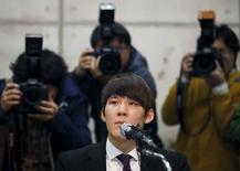 Nadador olímpico sul-coreano Park Tae-hwan durante entrevista coletiva em Seul.    27/03/2015  REUTERS/Kim Hong-Ji