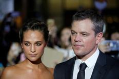 """Ator Matt Damon e a atriz Alicia Vikander chegam para evento promocional do filme """"Jason Bourne"""" em Seul 8/07/ 2016. REUTERS/Kim Hong-Ji"""
