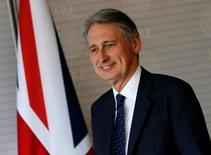 Philip Hammond a été nommé mercredi soir ministre des Finances de la Grande-Bretagne par la nouvelle chef du gouvernement Theresa May en remplacement de George Osborne qui a présenté sa démission. /Photo prise le 2 mai 2016/REUTERS/Henry Romero