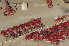 Camiones y equipos de producción de crudo, en una planta de Halliburton en Williston, Dakota del Norte, April 30, 2016. Los precios al productor estadounidense anotaron en junio su mayor alza en un año debido a un aumento del costo de los productos energéticos y de los servicios, lo que apunta a un aumento sostenido de la inflación a medida que se disipa el lastre de la fortaleza del dólar y los precios bajos del crudo. REUTERS/Andrew Cullen