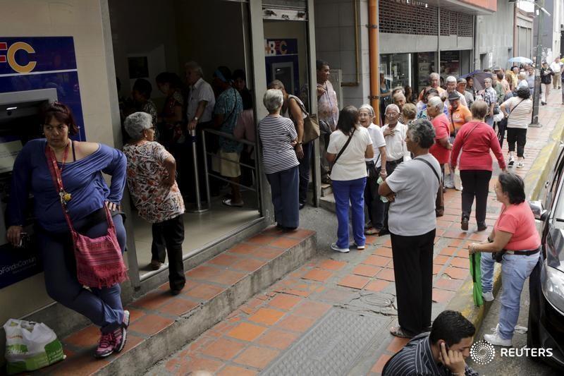 Pensionados Y Jubilados Venezolanos En El Exterior Buscan Sobrevivir