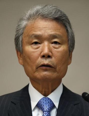 7月19日、公表された議事要旨によると、13日の経済財政諮問会議では、民間議員から経済対策の規模に関連し、真水で最大8兆円規模が必要との具体的な金額の提案があった。写真は民間議員の榊原定征・経団連会長。2014年6月撮影(2016年 ロイターa/Toru Hanai)
