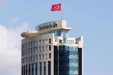 Центральный офис Sekerbank в Стамбуле. 9 июня 2016 года. Попытка военного переворота в Турции в минувшие выходные сорвала размещение еврооблигаций двух турецких банков на этой неделе, сказал источник в финансовых кругах. REUTERS/Murad Sezer