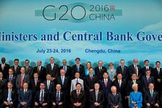 Les ministres des Finances et banquiers centraux du Groupe des 20 économies les plus importantes de la planète ont renouvelé dimanche leur engagement à soutenir la croissance et à mieux en partager les fruits, au terme d'une réunion dominée par l'impact de la sortie de la Grande-Bretagne de l'Union européenne et par le risque protectionniste. /Photo prise le 24 juillet 2016/REUTERS/Ng Han Guan/Pool