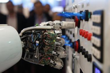 インタビュー:AIは近く医療の領域へ=KDDI総研・小林氏