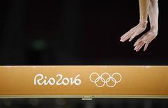 La chaîne américaine NBC, qui appartient au groupe Comcast, annonce jeudi que ses ventes d'écrans publicitaires pour les Jeux olympiques de Rio de Janeiro ont dépassé 1,2 milliard de dollars. Les rentrées publicitaires pour les JO de Rio s'effectuent à un rythme plus soutenu que celles enregistrées lors des JO de Londres en 2012. /Photo prise le 4 août 2016/REUTERS/Dylan Martinez