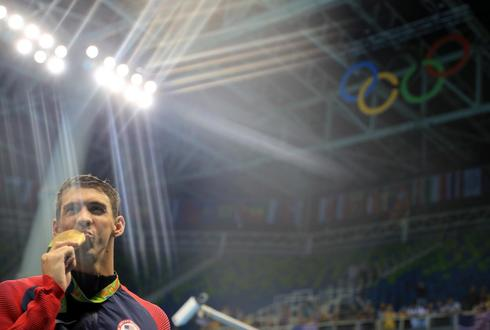 Michael Phelps wins his 21st gold medal