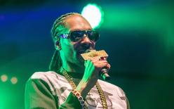 Rapper Snoop Dogg performs in Uppsala, Sweden, July 25, 2015.  REUTERS/Marcus Ericsson/TT News Agency/Files
