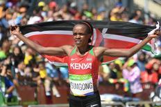 Maratonista Jemima Sumgong, do Quênia, campeã no Rio.     REUTERS/Johannes Eisele/Pool