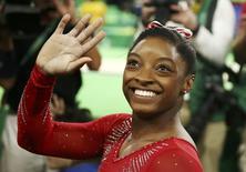 Simone Biles comemora no Rio.  14/08/2016.  REUTERS/Marko Djurica