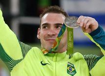 Zanetti, comemora medalha  15/08/2016  REUTERS/Marko Djurica