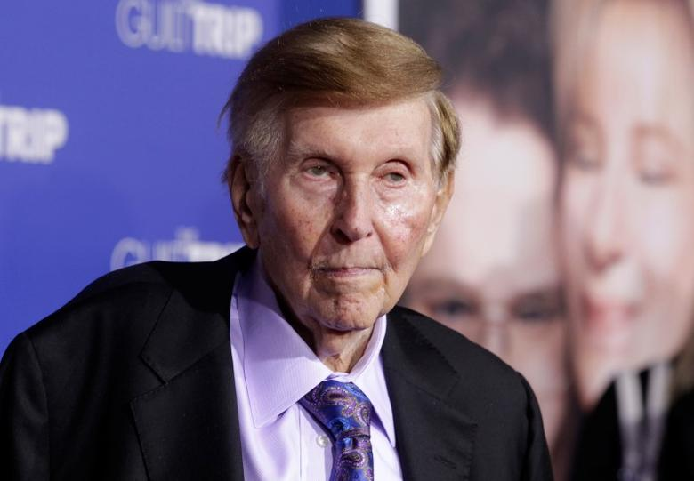 FILE PHOTO: Sumner Redstone, executive chairman of CBS Corp. and Viacom, arrives at the premiere of 'The Guilt Trip' in Los Angeles December 11, 2012.  REUTERS/Fred Prouser