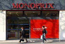 Casino est une des valeurs à suivre vendredi à la Bourse de Paris après l'annonce de la nomination de Régis Schultz au poste de président de l'enseigne Monoprix. /Photo d'archives/REUTERS/Charles Platiau