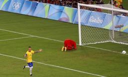 Neymar comemora gol 20/08/2016 REUTERS/Leonhard Foeger