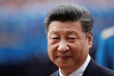 El presidente de China, Xi Jinping, durante una ceremonia de bienvenida en Belgrado, Serbia. 18 de junio de 2016. China mantendrá saludable el crecimiento de la economía y las reformas sobre los factores de oferta serán una prioridad para su desarrollo económico, dijo el presidente del país Xi Jinping, según informó la agencia estatal de noticias Xinhua. REUTERS/Marko Djurica