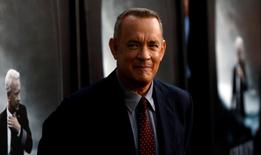 """Cast member Tom Hanks poses at the premiere of """"Sully"""" in Los Angeles, California U.S., September 8, 2016.   REUTERS/Mario Anzuoni"""