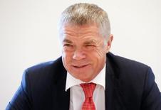 Зампред концерна Газпром Александр Медведев на Саммите Рейтер в Москве 15 сентября 2016 года. Российский Газпром рассчитывает запустить строительство газопроводов Турецкий поток и Северный поток-2 в конце 2017 года, после того как в октябре этого года будет подписано межправительственное соглашение между Москвой и Анкарой и в течение двух месяцев представлена новая конфигурация трансбалтийской магистрали, сказал зампред концерна Александр Медведев на саммите Рейтер. REUTERS/Grigory Dukor