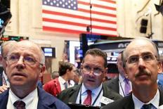 Traders work on the floor of the New York Stock Exchange (NYSE) in New York City, U.S., September 15, 2016.  REUTERS/Brendan McDermid