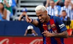 Neymar comemora gol do Barcelona contra o Leganés. 17/09/2016 REUTERS/Sergio Perez