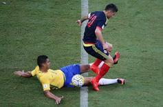 Casemiro em jogo do Brasil contra a Colômbia. 6/9/16.  REUTERS/Paulo Whitaker