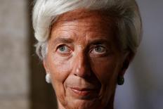 """La directora gerente del Fondo Monetario Internacional, Christine Lagarde, durante una conferencia de prensa con el primer ministro canadiense Justin Trudeau, en Ottawa, Ontario, Canadá. 13 de septiembre de 2016. La directora gerente del Fondo Monetario Internacional (FMI), Christine Lagarde, dijo el miércoles que el organismo reducirá de nuevo su previsión de crecimiento para Estados Unidos en 2016, al tiempo que calificó las políticas que restringen el comercio como """"malas prácticas económicas"""" que frenarán la expansión. REUTERS/Chris Wattie"""