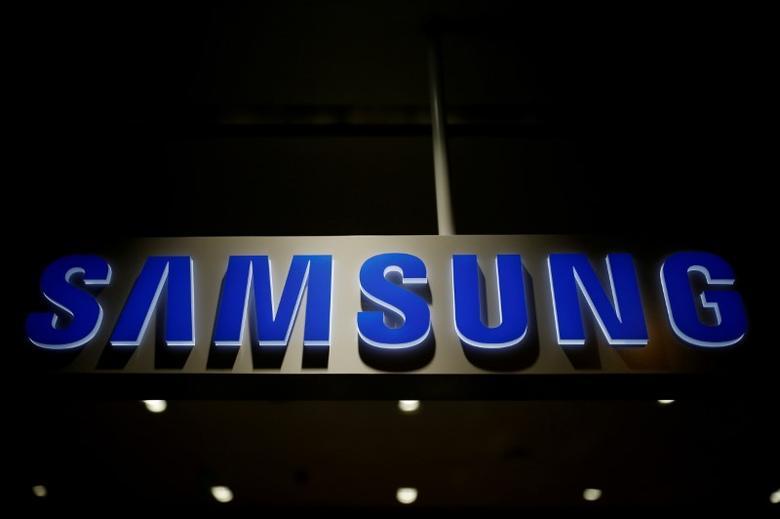 The logo of Samsung Electronics is seen at its headquarters in Seoul, South Korea, July 4, 2016.    REUTERS/Kim Hong-Ji/File Photo