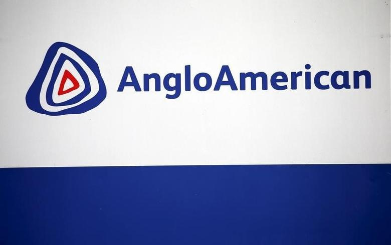 The Anglo American logo is seen in Rusternburg October 5, 2015. Picture taken October 5, 2015.  REUTERS/Siphiwe Sibeko