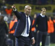 Zidane em jogo do Real contra o Dortmund.  27/09/16.   REUTERS/Kai Pfaffenbach