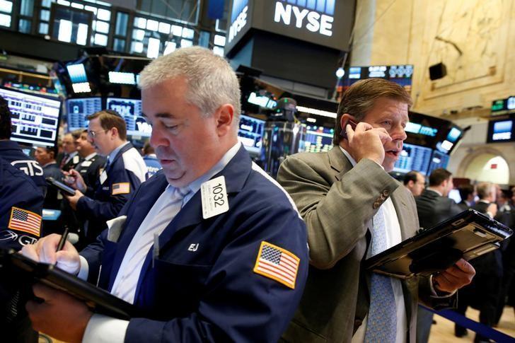 2016年9月28日,纽约证交所。美国股市周四走低,受累于苹果下跌,以及对德银的担忧促使投资者抛售富国和花旗等大型银行股。REUTERS/Brendan McDermid