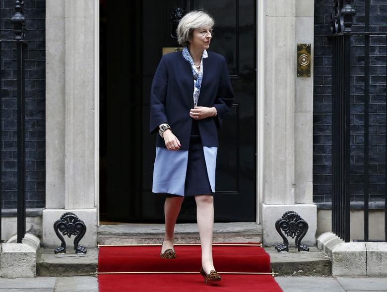 Britain's Prime Minister, Theresa May walks to greet Cyprus' President Nicos Anastasiades in Downing street, London, Britain September 27, 2016.  REUTERS/Peter Nicholls
