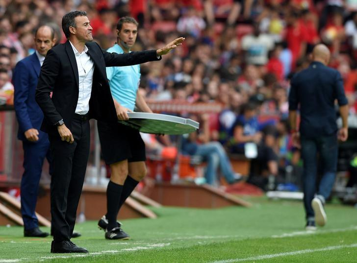 Football Soccer - Sporting Gijon v Barcelona - Spanish La Liga Santander - El Molinon stadium, Gijon, Spain- 24/09/16. Barcelona's coach Luis Enrique in action. REUTERS/Eloy Alonso