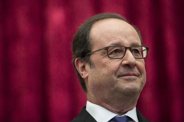 10月3日、フランスのオランド大統領が来年5月の大統領選に2期目を目指して出馬しても、勝利する可能性は低いとする世論調査結果が発表された。写真は同大統領。2日パリでの代表撮影(2016年/ロイター)