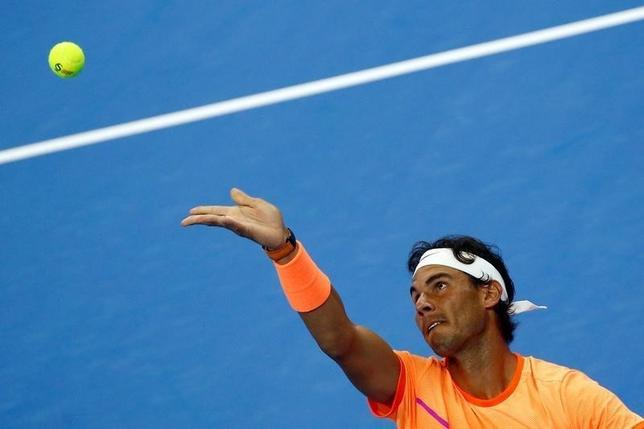 10月6日、テニスの中国オープンは北京で試合を行い、男子シングルス2回戦では、第2シードのラファエル・ナダル(写真)がアドリアン・マナリノを下し準々決勝に進んだ(2016年 ロイター/Thomas Peter)