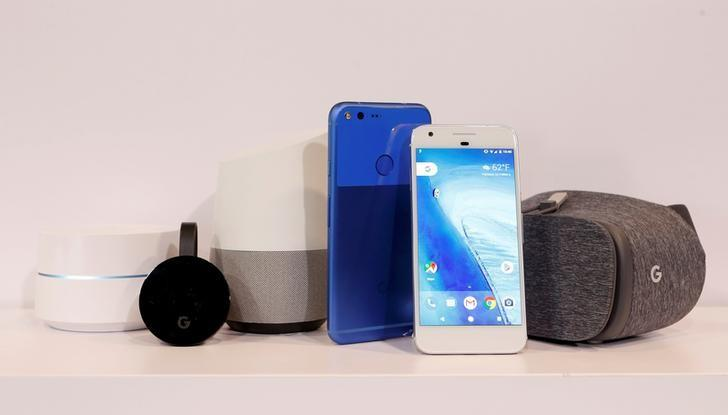 (L to R) Google Wifi, Google Chromecast Ultra, Google Home, Google Pixel XL, Google Pixel and Google Dreamview VR are displayed during the presentation of new Google hardware in San Francisco, California, U.S. October 4, 2016.   REUTERS/Beck Diefenbach