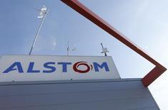 Alstom décroche avec plusieurs partenaires le contrat pour l'extension de la ligne rouge du métro de Dubai en vue de l'exposition universelle de 2020, ce qui devrait rapporter au groupe français quelque 1,3 milliard d'euros. /Photo prise le 31 août 2016/REUTERS/Regis Duvignau
