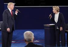 Debate entre Hillary Clinton e Trump em St. Louis.  9/10/2016.     REUTERS/Jim Young