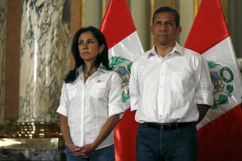 In this file photo, Peru's President Ollanta Humala (R) and his wife Nadine Heredia attend a ceremony at the Government Palace in Lima, Peru July 30, 2015. REUTERS/Mariana Bazo