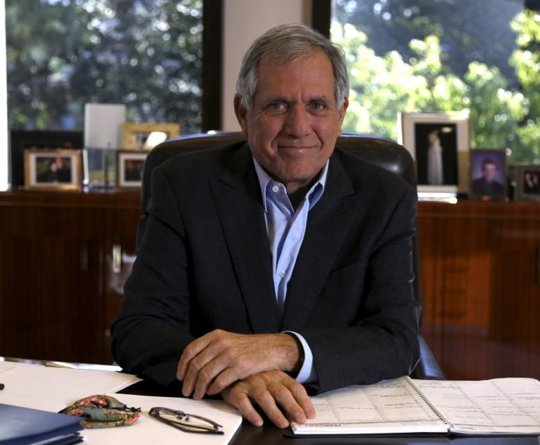 President and Chief Executive Officer of CBS Corporation Leslie Moonves poses for a portrait in his office in Studio City, California February 1, 2016. CBS Corp said on Wednesday that media mogul Sumner Redstone had resigned as executive chairman, a move that comes amid heightened questions about the 92-year-old billionaire's physical and mental health. CBS said Redstone would be replaced by Leslie Moonves, its president and chief executive since 2006. REUTERS/Mario Anzuoni      TPX IMAGES OF THE DAY      - RTX25CAX