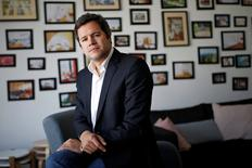 Emmanuel Marill, nouveau directeur pour la France de Airbnb, a déclaré à Reuters que la plate-forme de location de logements entre particuliers a résisté en France cet été grâce à son modèle. Alors que l'hôtellerie traditionnelle a accusé une chute de ses revenus après l'attentat de Nice, Airbnb a vu ses arrivées de voyageurs grimper de 20% à Paris entre le 1er juin et le 1er septembre et de 80% en province. /Photo prise le 11 octobre 2016/REUTERS/Benoit Tessier