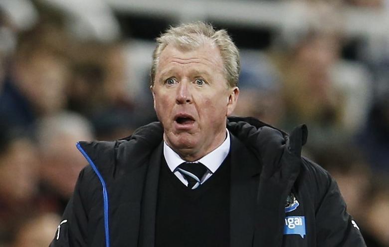 Football Soccer - Newcastle United v Liverpool - Barclays Premier League - St James' Park - 6/12/15Steve McClaren reacts to a decisionAction Images via Reuters / Lee Smith