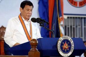 Philippines President Rodrigo Duterte speaks during the ceremony marking the anniversary of the Philippines Coast Guard in Manila, Philippines, October 12, 2016.   REUTERS/Damir Sagolj