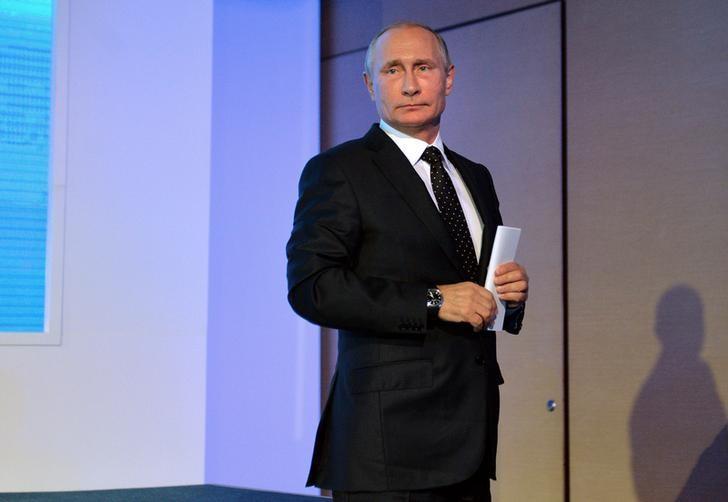 Russian President Vladimir Putin attends the annual VTB Capital ''Russia Calling!'' Investment Forum in Moscow, Russia, October 12, 2016. Sputnik/Kremlin/Alexei Druzhinin via REUTERS