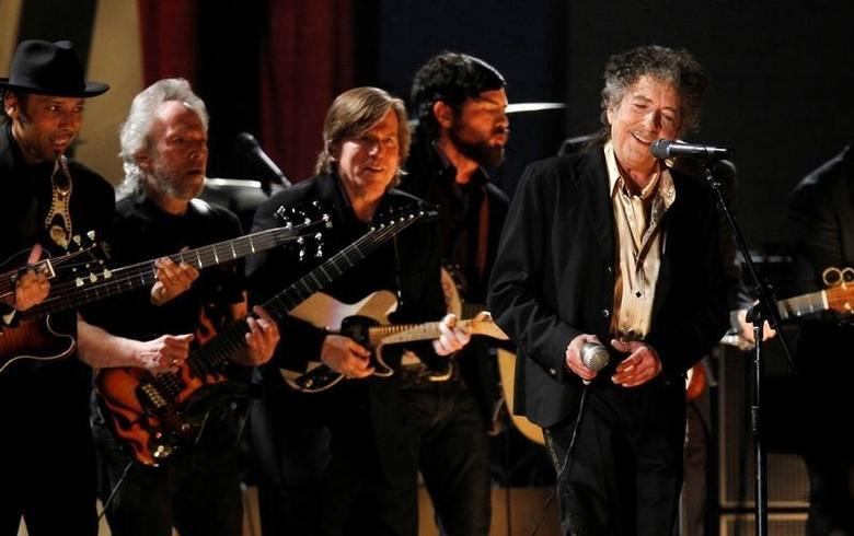 Bob Dylan performs ''Maggie's Farm'' at the 53rd annual Grammy Awards in Los Angeles, California February 13, 2011. REUTERS/Lucy Nicholson/File Photo
